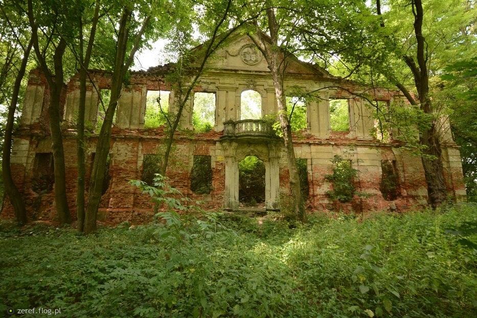 Ruiny dawnej chwały.