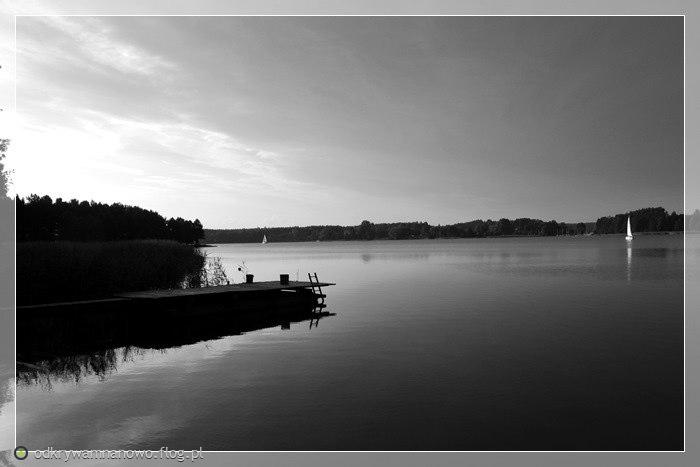 Wieczór nad jeziorem Gołuń