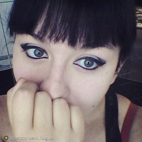 Taaaki makijaż - moje dzieło - moje oczy ^.^